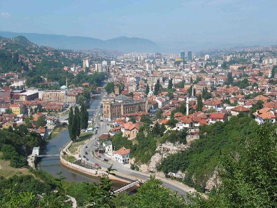 Pošalji mi razglednicu, neću SMS, po azbuci 2117047-sarajevo_sprawling_along_the_miljacka_river-sarajevo